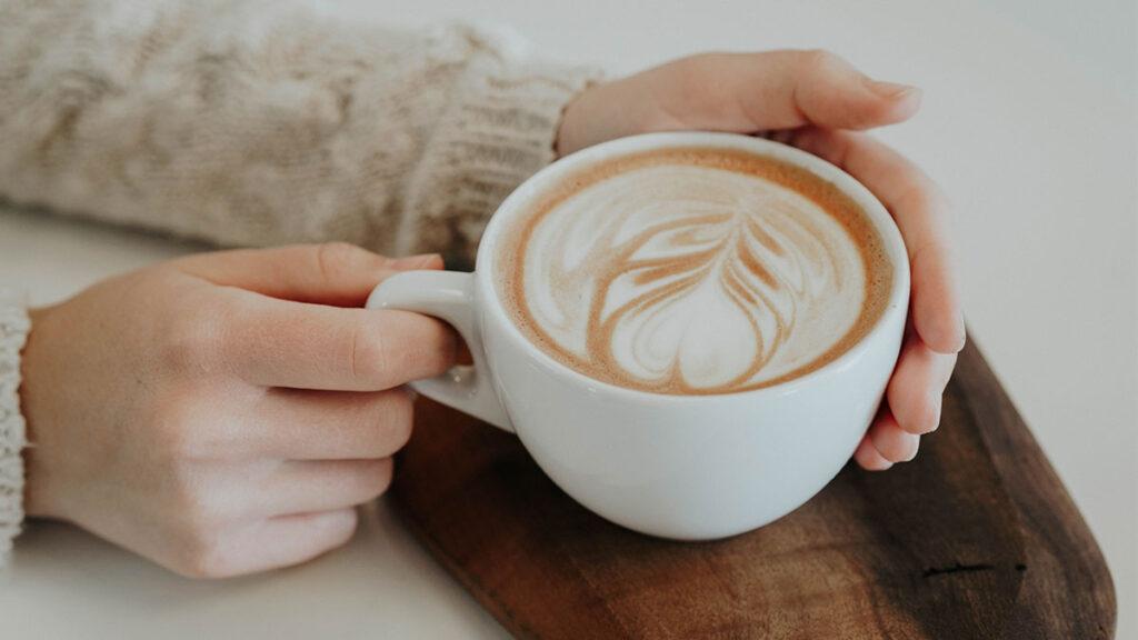 نوشیدن قهوه خطر ابتلا به اختلالات گوارشی را کاهش میدهد