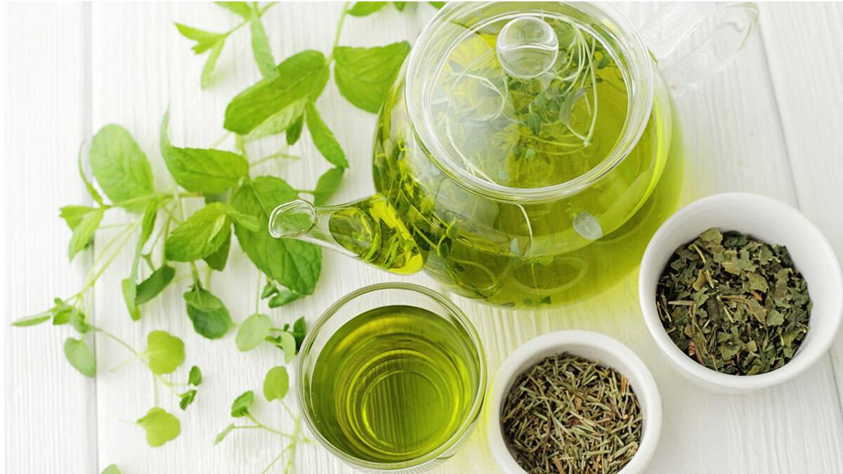 افرادی که برای کاهش وزن و تنظیم سوخت وساز بدنشان از چای سبز استفاده می کنند،